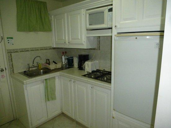 Dover Beach Hotel:                   Fully stocked kitchenette