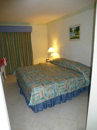 Dover Beach Hotel:                   bedroom