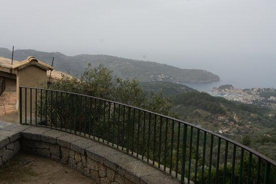 Mirador Ses Barques:                   Perched on the edge!