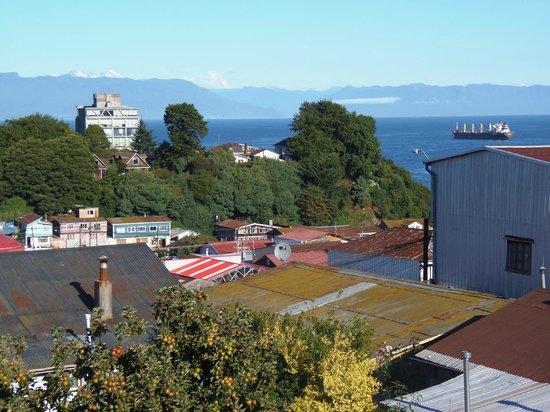 Hospedaje Vista Al Mar:                                                       Fotos tomadas desde la Terraza y Habitació