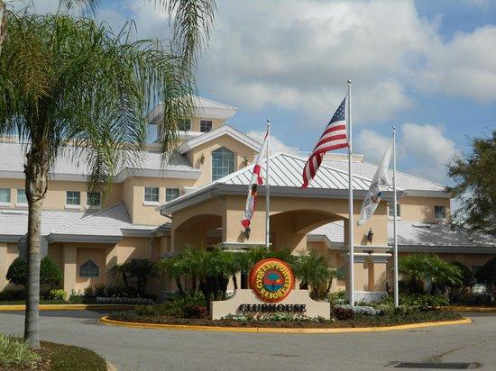 Grande Villas Resort :                   Immeuble du Cypress Point vendant le Resort (et non le Grande Villa)