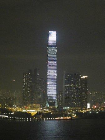 CHI Residences 138:                   CHI 138 RF view at night