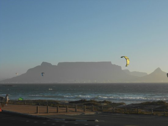 Protea Hotel Cape Castle: View of Table mountain from Table view