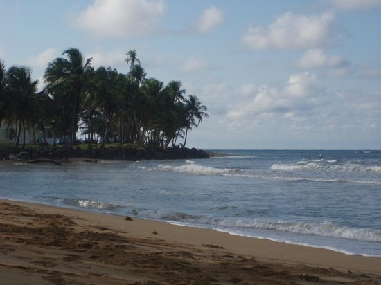 Luquillo Sunrise Beach Inn:                   Looking West