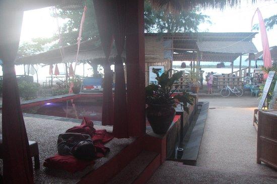 Touring Gili Trawangan Hotel:                                     Pool early morning for sunrise