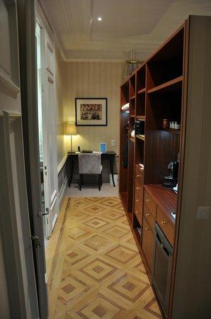 Hotel des Trois Couronnes :                   Junior Suite_123_zona vestidor