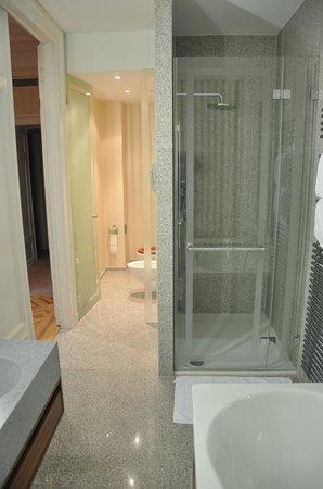 Hotel des Trois Couronnes :                   Junior Suite_123_zona baño
