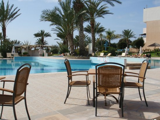 Constantinou Bros Athena Beach Hotel: The pool