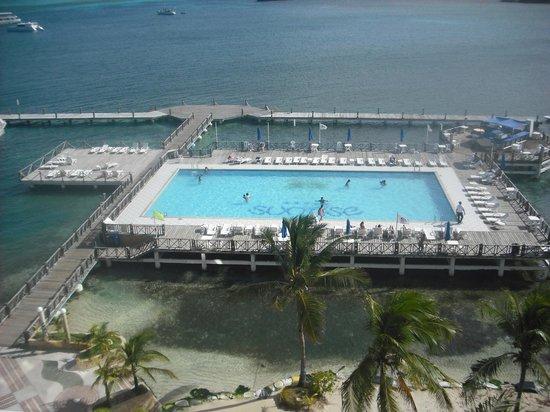 جي إتش إل هوتل صن رايز:                   piscina del hotel                 
