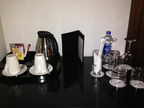 Dusit Thani LakeView Cairo:                   coffee facilities