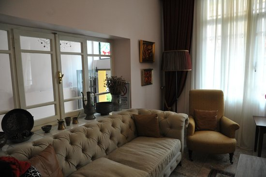 Uyan Hotel:                   hotel uyan - waiting area