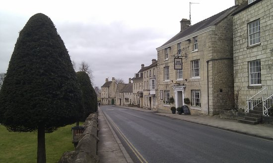 Falcon Inn:                   New Street, Painswick