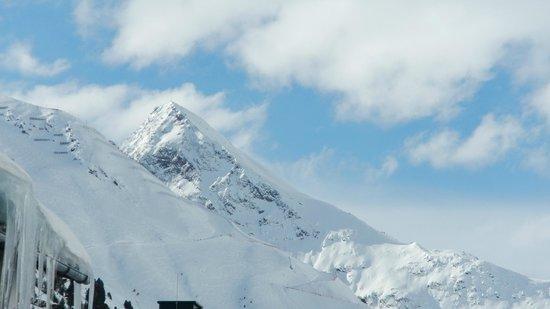 Hotel Bergwelt:                   Vom Balkon von Zimmer 106 aus gesehen