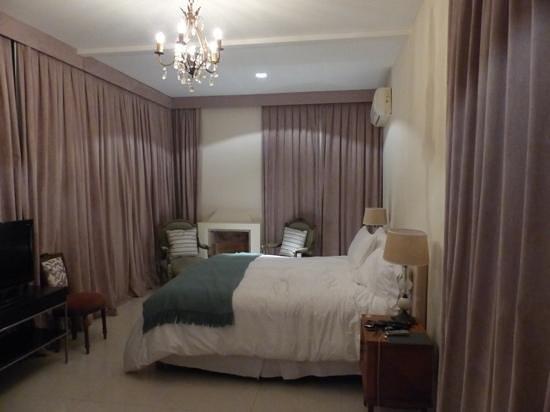 โรงแรมปาแลร์โม่:                   bedroom