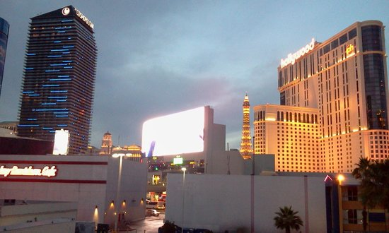 Travelodge Las Vegas Center Strip:                   quello che vedi dalla camera
