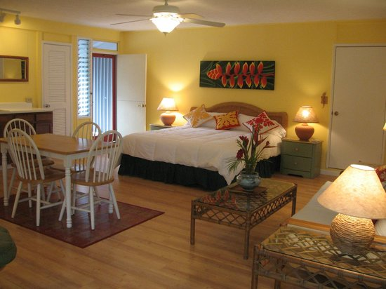 The Hula Breeze: Larger view of suite