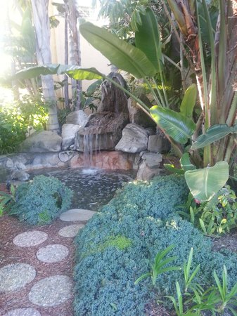 Sand Pebbles by EVRentals:                   landscape fountain at Sand Pebbles