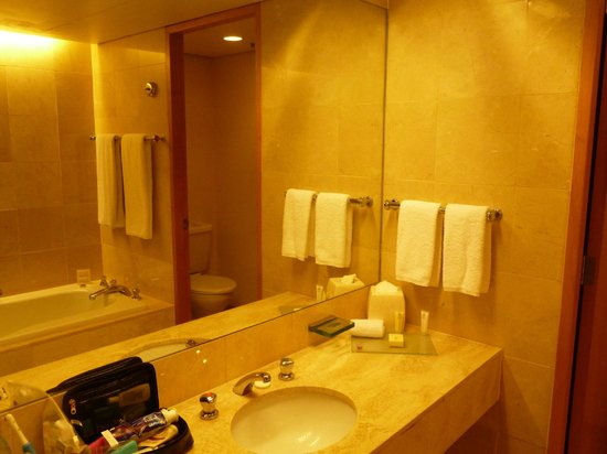 แสตมฟอร์ตพลาซ่าอัคแลนด์โฮเต็ล: Nice bathroom