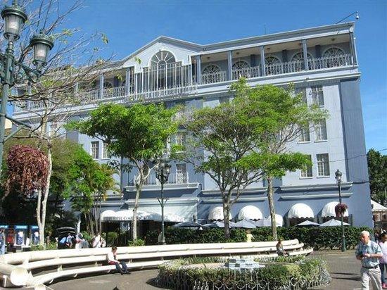 Gran Hotel Costa Rica:                   Front of hotel
