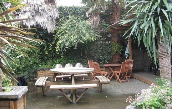 Garden Bar