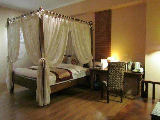 Errantry Lodge & Studio: Spacious Bali room