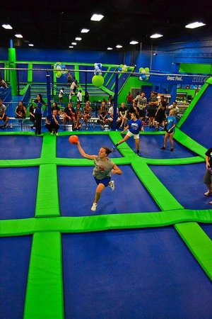 AirHeads Trampoline Arena: Dodgeball!