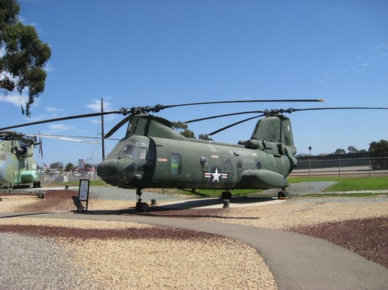 Flying Leatherneck Aviation Museum:                   Helecopter