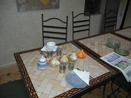 Hotel Riad Beldi :                   une petite partie du petit déjeuner au riad