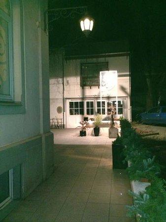 Al Dar:                   entrance