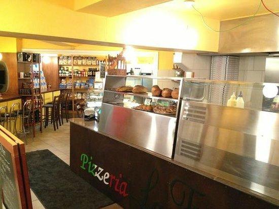 Welcome to Pizzeria La Fiorita!
