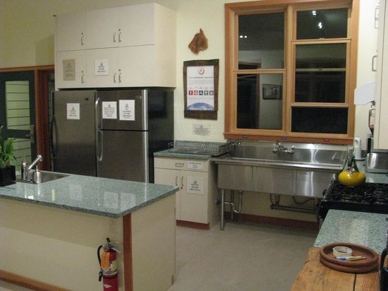 Point Reyes Hostel: kitchen area