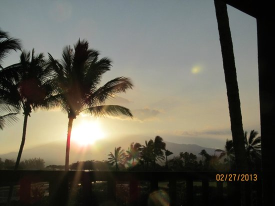 Kohala Suites by Hilton Grand Vacations:                   Sunrise view from balcony in room