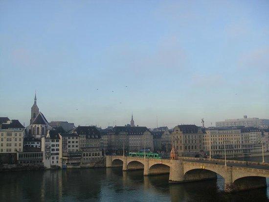 Hotel Krafft Basel:                   早朝