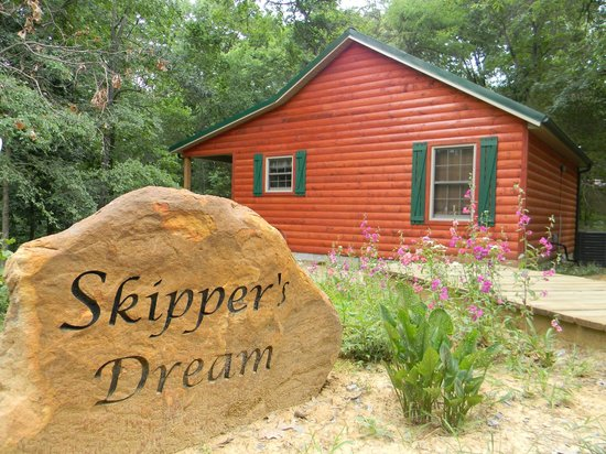 Cedar Rock Cabins: Skipper's Dream