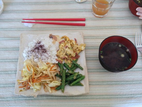 KAEDE Bed and Breakfast:                                     Japanese breakfast