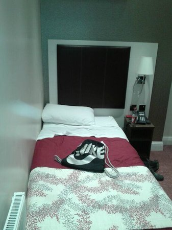 Comfort Inn Buckingham Palace Road:                   cama