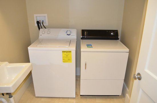 Wyndham Shawnee Village Resort: Washer and Dryer in downstairs bathroom
