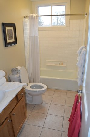 Wyndham Shawnee Village Resort: Master Bath