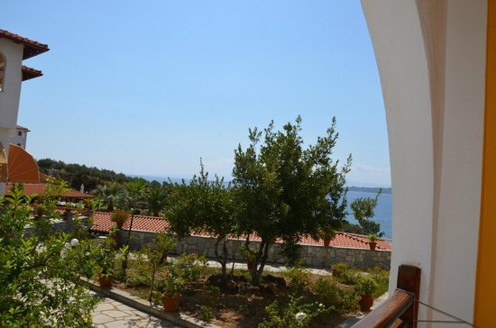 Akrathos Beach Hotel:                   VG