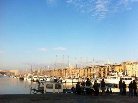 Hotel Carre Vieux Port Marseille : vieux port à 2 pas