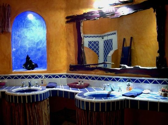 Villa Magnolia B&B: Los Pelicanos room, Bathroom