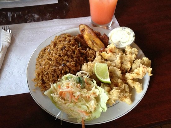 Goldie's Conch House Nassau Bahamas :                                     Cracked Conch Dinner