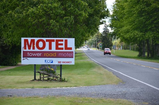 Tower Road Motel: The view from the road