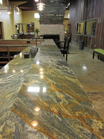 Kerrville Hills Winery: Bar in Tasting Room