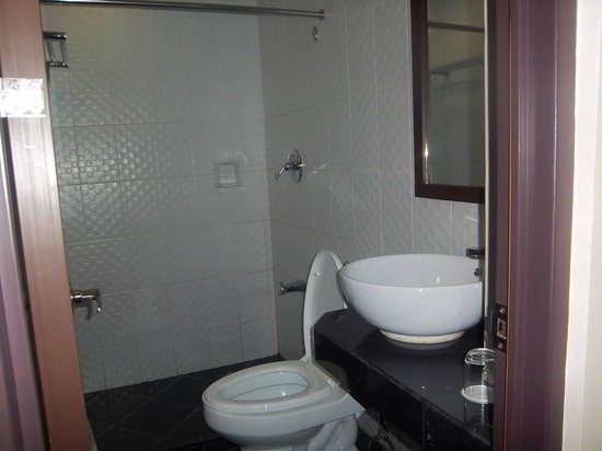 The Grande Suites:                   nice clean and new
