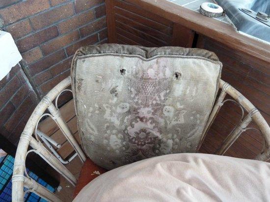 Calderhouse Inn Bed & Breakfast:                   the deck furiture