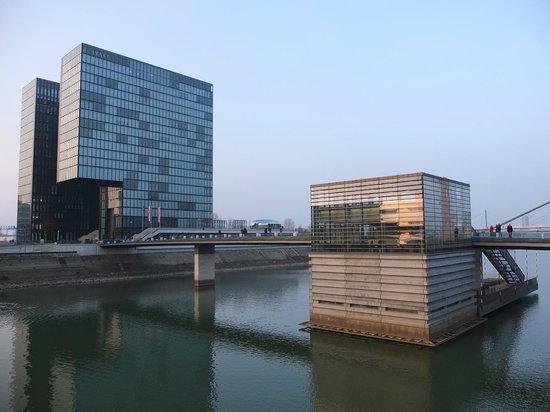 Hyatt Regency Dusseldorf: Vue du quai