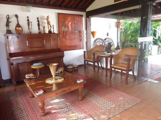 Buzios Arambare Hotel:                   Lobby