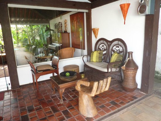 Buzios Arambare Hotel:                   Lobby exterior