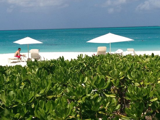 Villa del Mar:                   Beach at Grace Bay